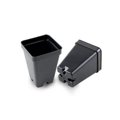 Plastic 2.5 inch square pots